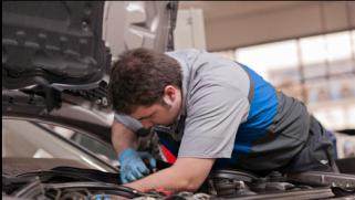 Les chiffres clés pour la révision voiture : quand la faire ?